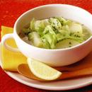 キャベツのレモン風味スープ