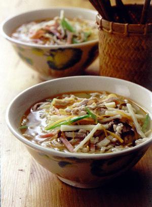 酸辣湯(スワンラータン)麺