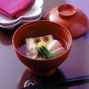 鶏、小松菜、かまぼこの雑煮