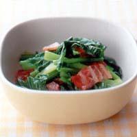 かぶの葉とベーコンのサラダ