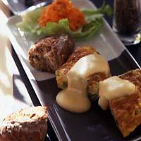 スパニッシュオムレツのチーズソース
