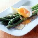 アスパラと半熟卵のサラダ
