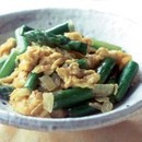 アスパラと玉ねぎの卵炒め
