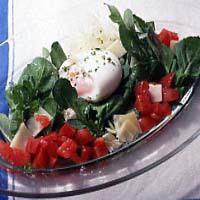半熟卵とルッコラのサラダ