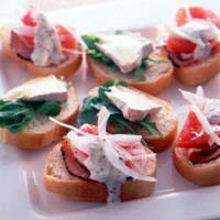 オープンサンド ルッコラチーズ&ハムトマト