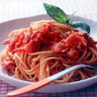トマトとベーコンのピリ辛スパゲティ