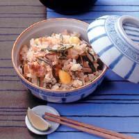 山菜と鶏肉の炊き込みご飯