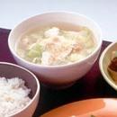 キャベツと豆腐のおぼろスープ