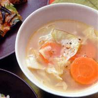 にんじんとキャベツのスープ