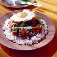 豚ひき肉と青梗菜の卵のせご飯