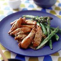 鶏手羽のから揚げ ごまソース