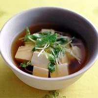 豆腐と三つ葉のお吸いもの