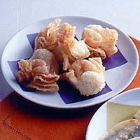 オリーブチーズ揚げ餃子