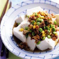 カリカリ豚と枝豆のおかずやっこ