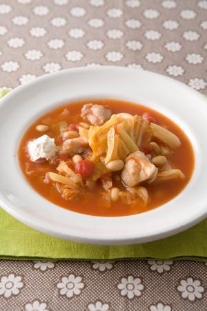 キャベツとチキンのトマト煮込みスープ