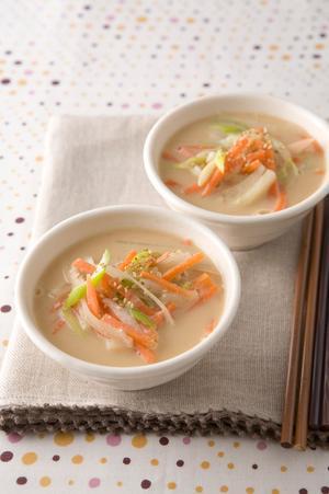 にんじんのごまみそスープ