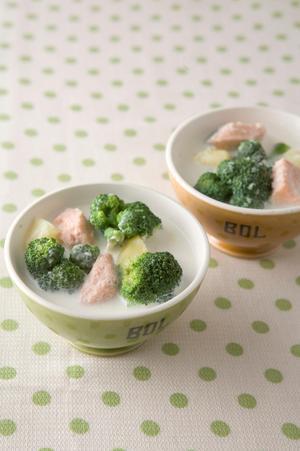 ブロッコリーと鮭のミルクスープ