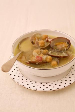 あさりと豆の具だくさんスープ