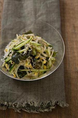 豆もやしとわかめのナムル風サラダ