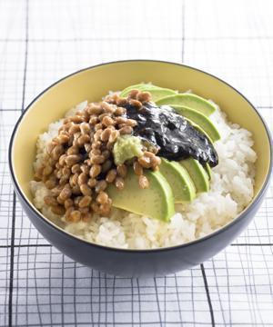 アボカド納豆丼