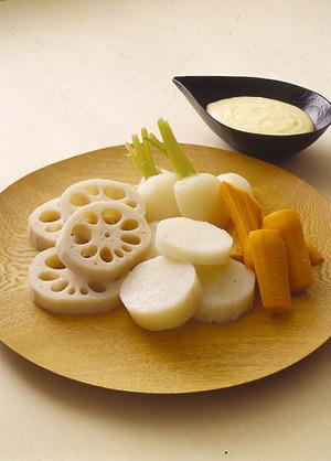 根菜の蒸しもの ガーリックマヨソース添え