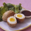 ゆで卵入りハンバーグ
