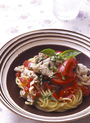 豚しゃぶとトマトのスパゲティ