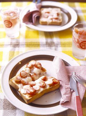 プチトマトとソーセージのピザトースト