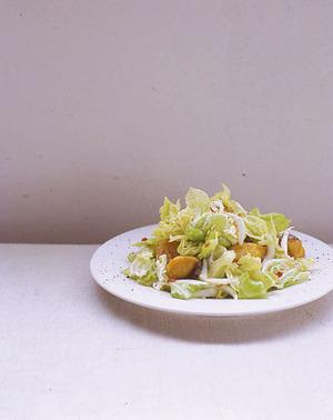 さわらと春キャベツのエスニックサラダ