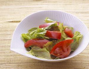 レタスとトマトの中華サラダ