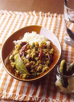 鶏ひき肉と豆のドライカレー