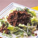韓国風そぼろのせサラダ