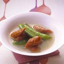 スナップえんどうとソーセージのスープ煮