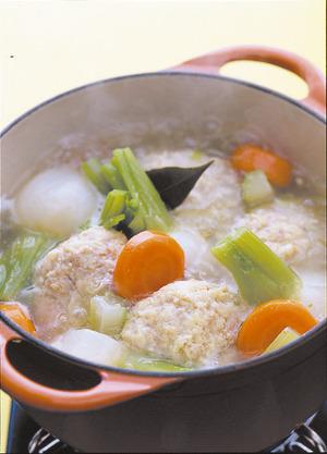 鶏だんごとかぶのスープ煮
