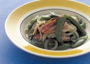さや豆とベーコンのスープ煮