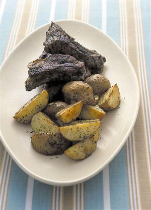 ポテトとスペアリブのハーブ焼き