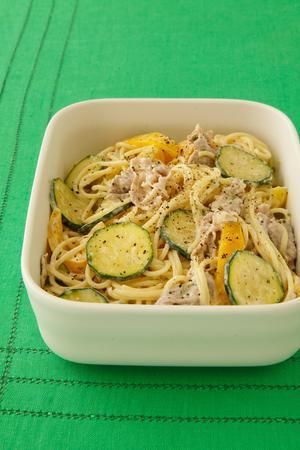 夏野菜と豚肉の冷製マヨパスタ