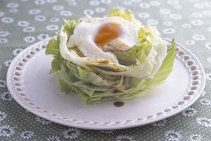 レタスの温たまサラダ