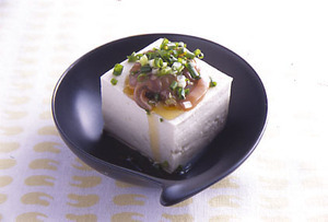 豆腐の塩辛やっこ