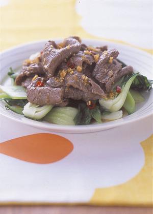 牛肉と青梗菜のにんにくじょうゆあえ
