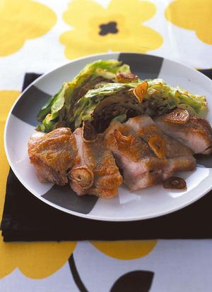 鶏肉とキャベツのにんにく焼き