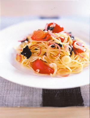 みょうがとトマトの冷製パスタ