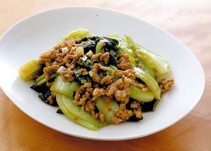青梗菜とひき肉のオイスターソース炒め