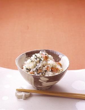 焼き鮭の香り混ぜご飯