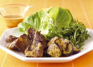 ごま風味の焼き肉サラダ