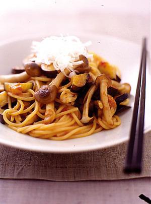 なすとしめじの梅みそスパゲティ