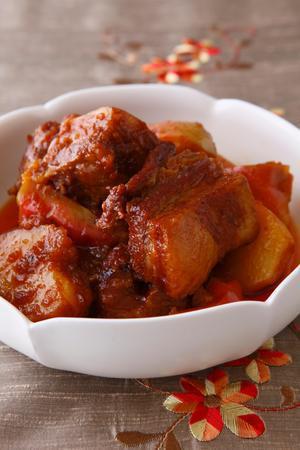 豚バラ肉の甘辛角煮