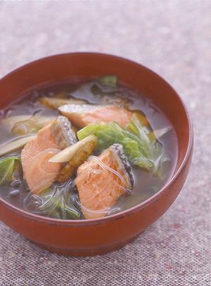 鮭とたっぷり野菜の汁もの