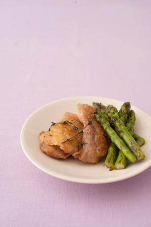 鶏肉とアスパラガスのハーブ焼き