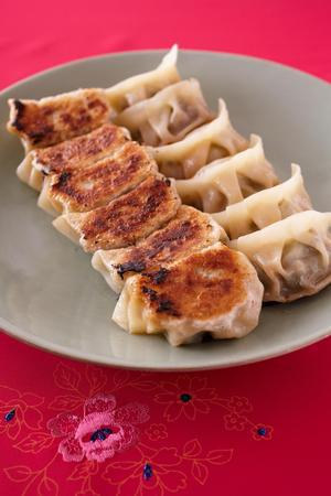 豚肉とセロリの焼き餃子